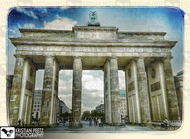 """Brandenburger Tor"" in Berlin - Copyright by Kristian Peetz"